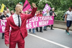 30 août 2017, Jouy en JosasManifestation à l'occasion de l'université d'été du MEDEF pour protester contre la Loi Travail 2, le MEDEF et le capitalisme en général. Plus de 500 personnes ont fait le déplacement pour ce premier rendez-vous social de la rentrée.